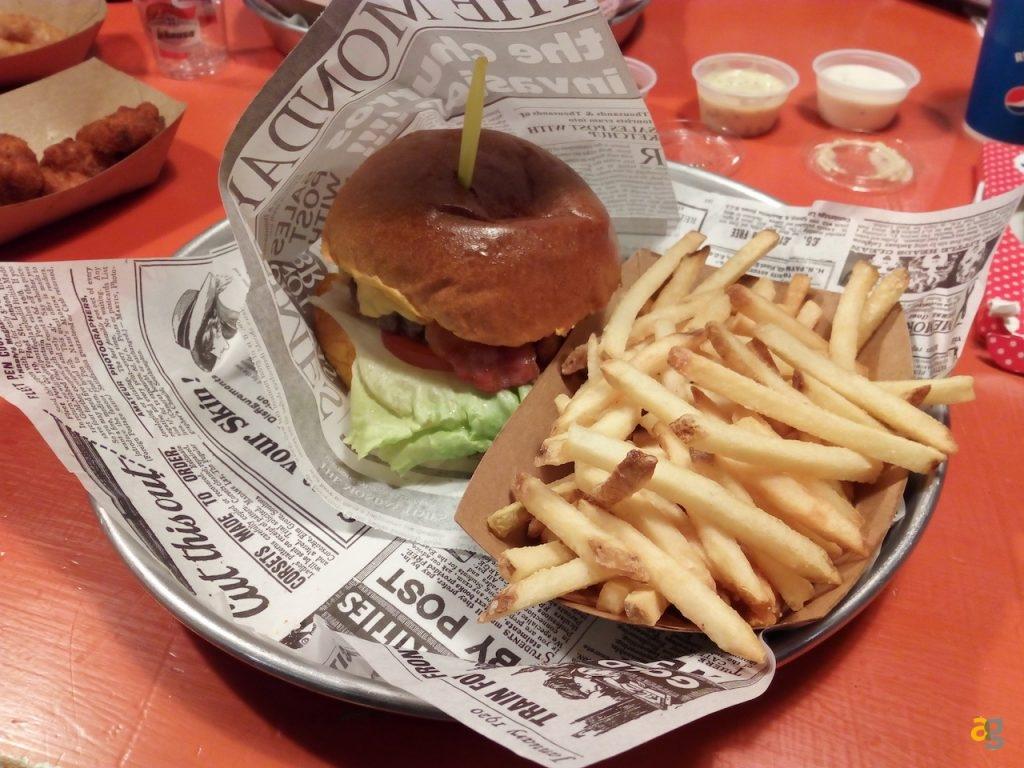 t-burger-milano-hamburger-ok-ma-qualche-particolare-da-rivedere