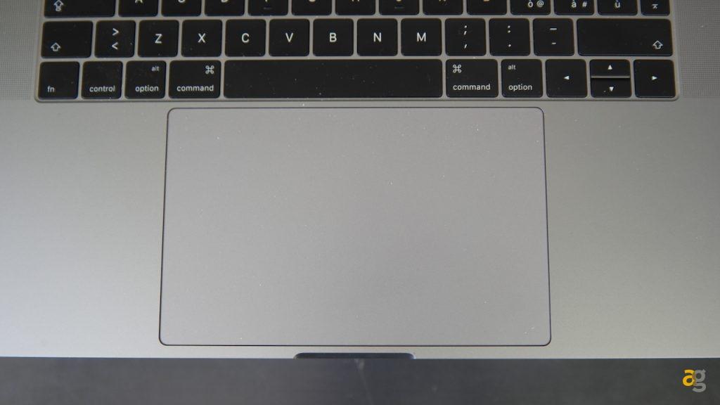 macbook-pro-15-touch-bar-recensione