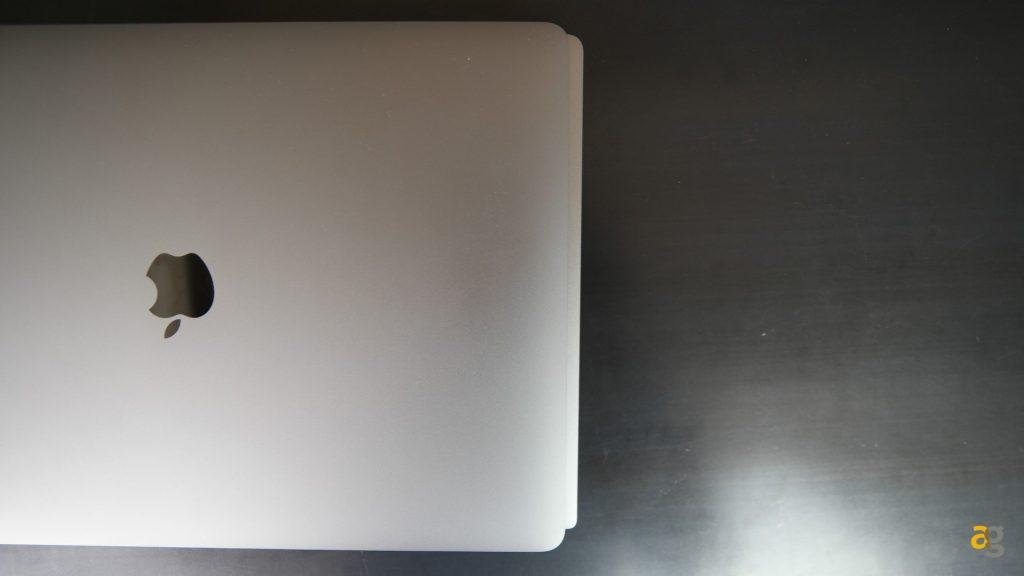 dell-xps-15-confronto-macbook-pro-15
