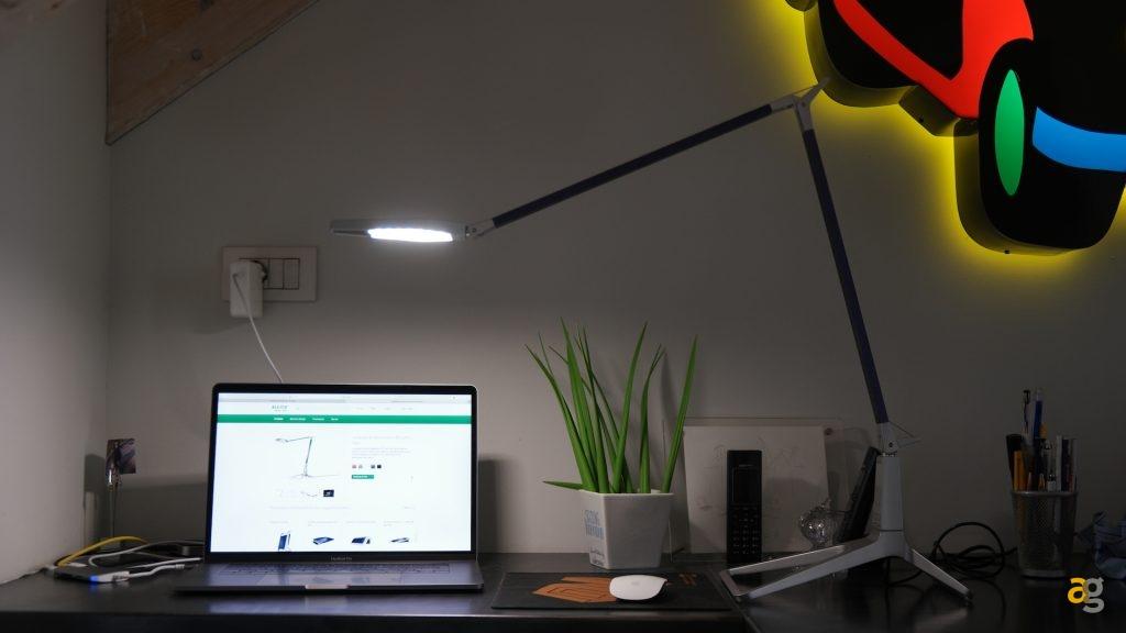 leitz-style-smart-lamp