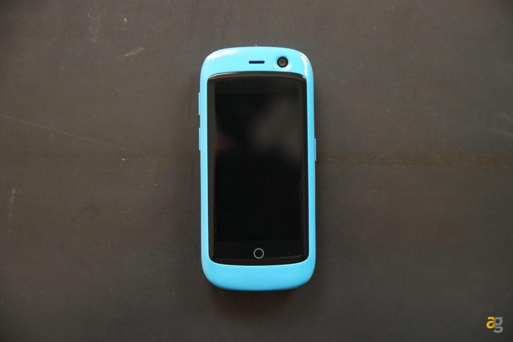 lo-smartphone-piu-piccolo-del-mondo